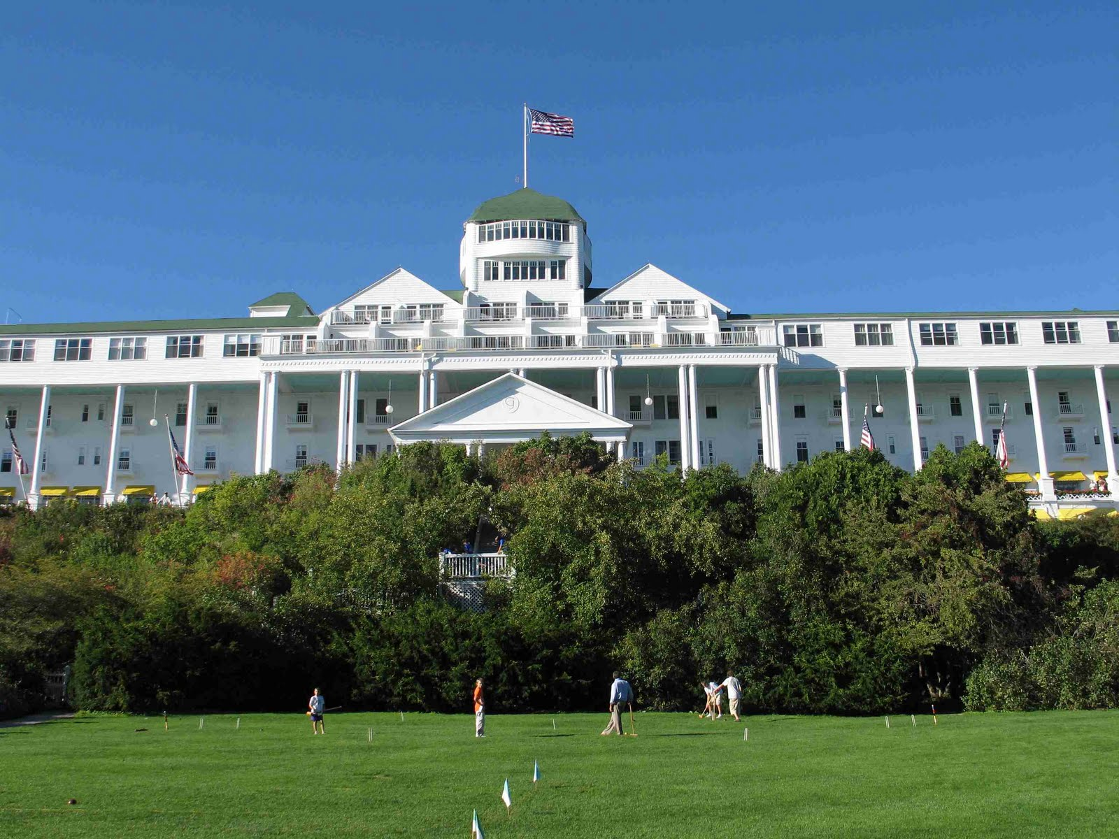 Grand hotel mackinac blue liz marie blog for Grand hotel