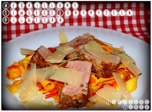 Rib-Eye Steak auf Rucola-Salat und Parmesan - leckerde