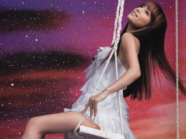 Hot Pictures of Ayumi Hamasaki