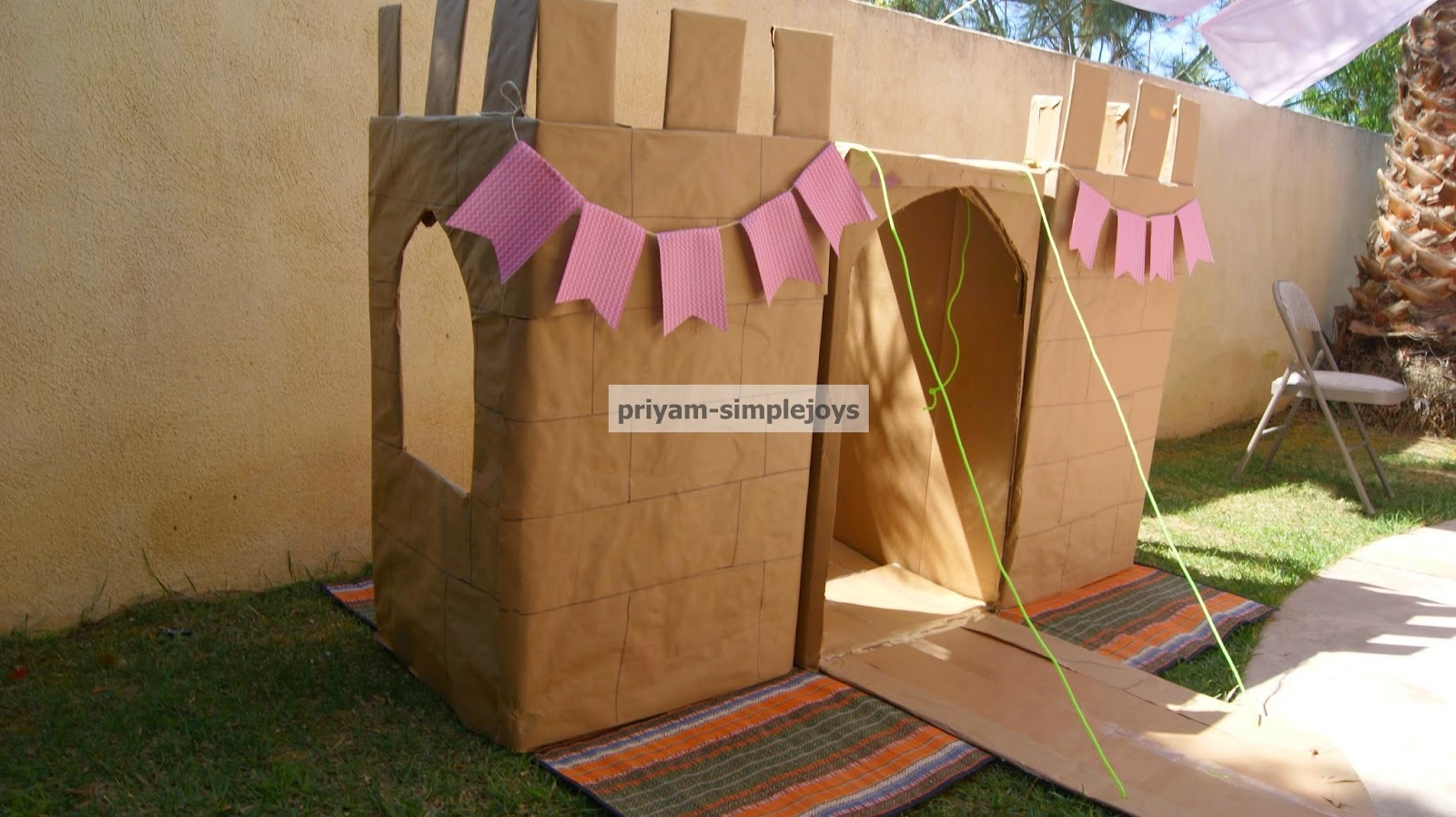 Simplejoys cardboard castle for Castle made out of cardboard boxes