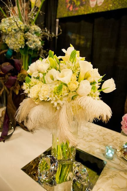 Memorable wedding feather centerpieces for your
