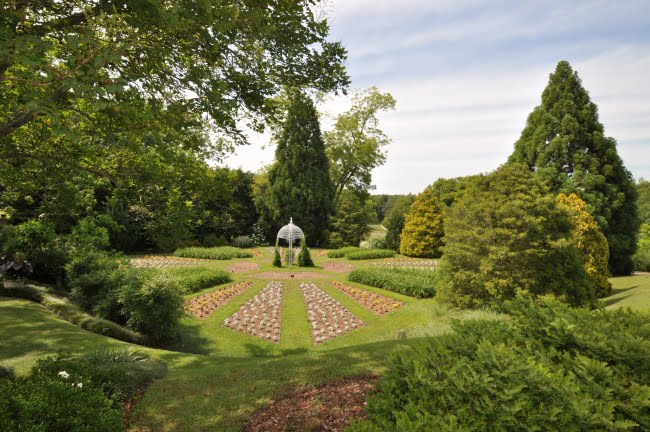 Mr Callaway Remembered Playing In The Gardens As A Boy   Sarah And Blount  Ferrell Had Always Let The Gardens Be Open To The Public For All To Enjoy.
