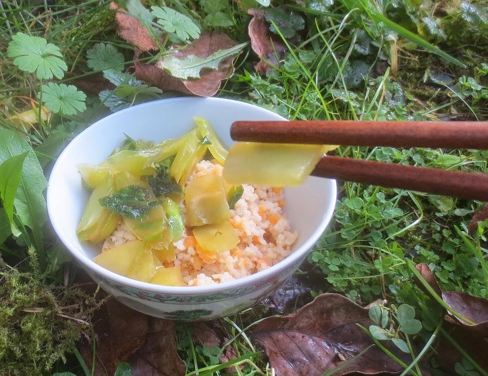 Chinesischer Spargelsalat aus dem Wok (Wosun)