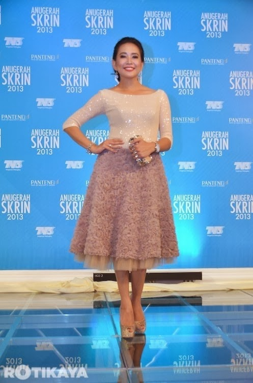 Gambar sekitar karpet merah Anugerah Skrin 2013 (76 Photo)
