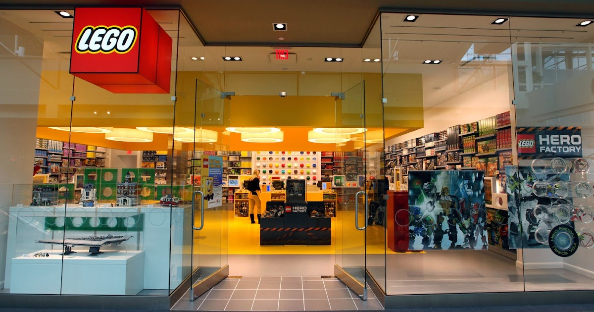 Observations, Reservations, Conversations: LEGO Store to Open in ...