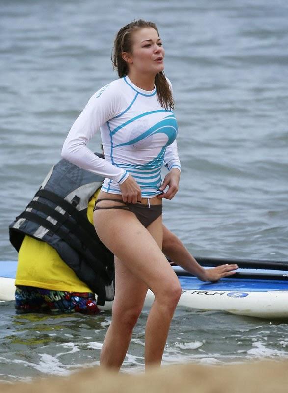 leann rimes hot bikini stills at mexico beach   latest tamil actress