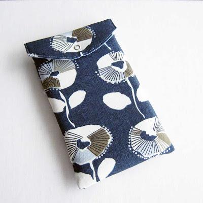 designer fabric kindle case