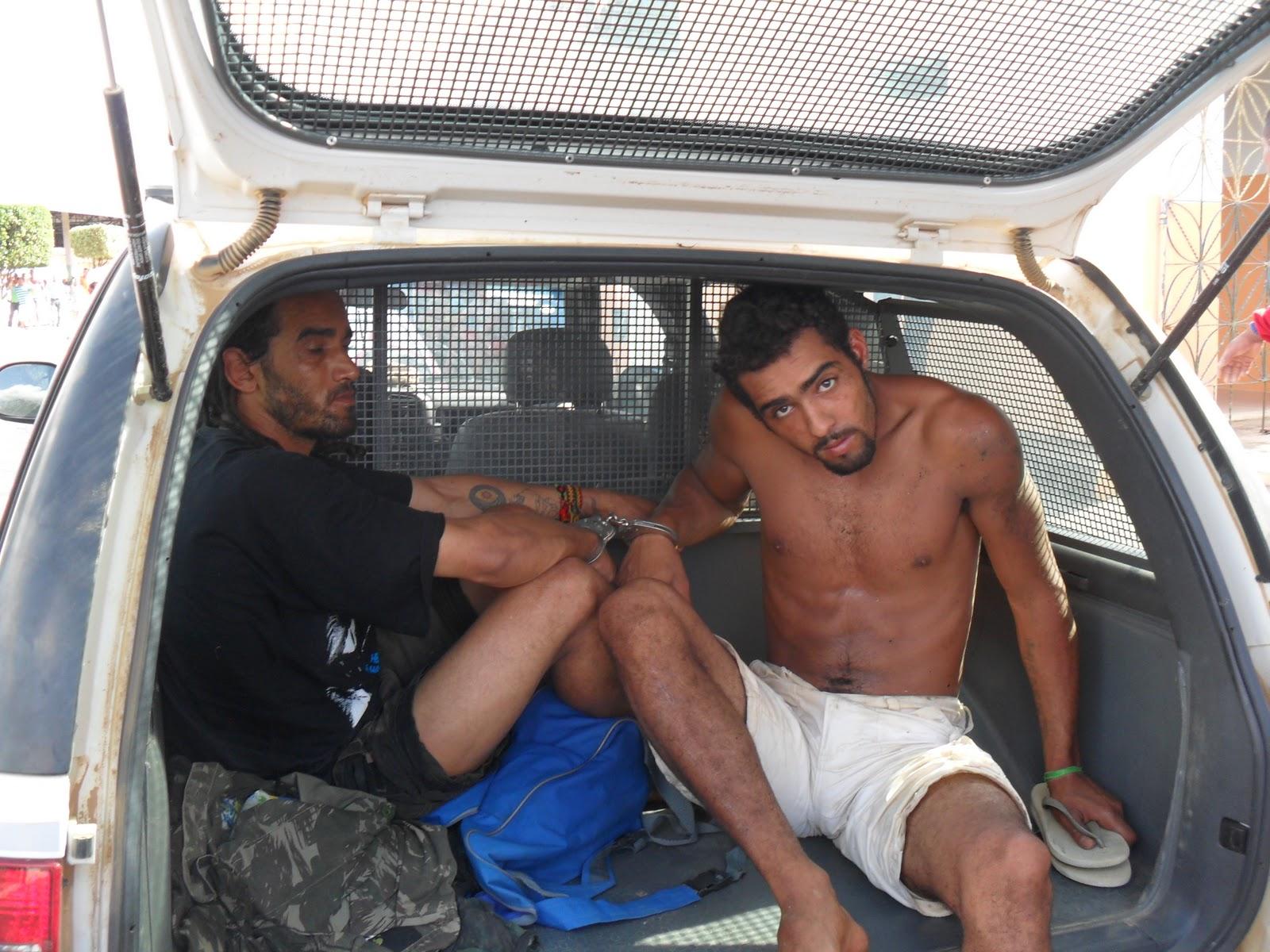 Perna De Pau Presos Quatro Dos Seis Suspeitos Aterrorizarem