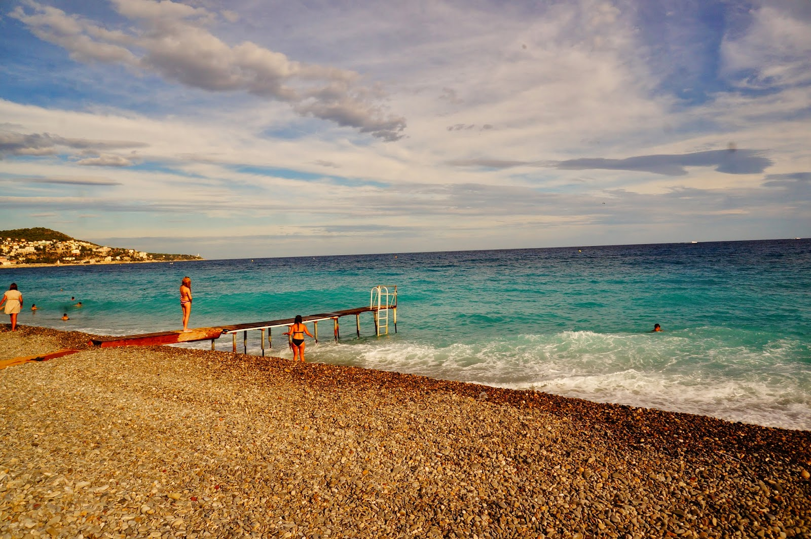 Море в Ницце