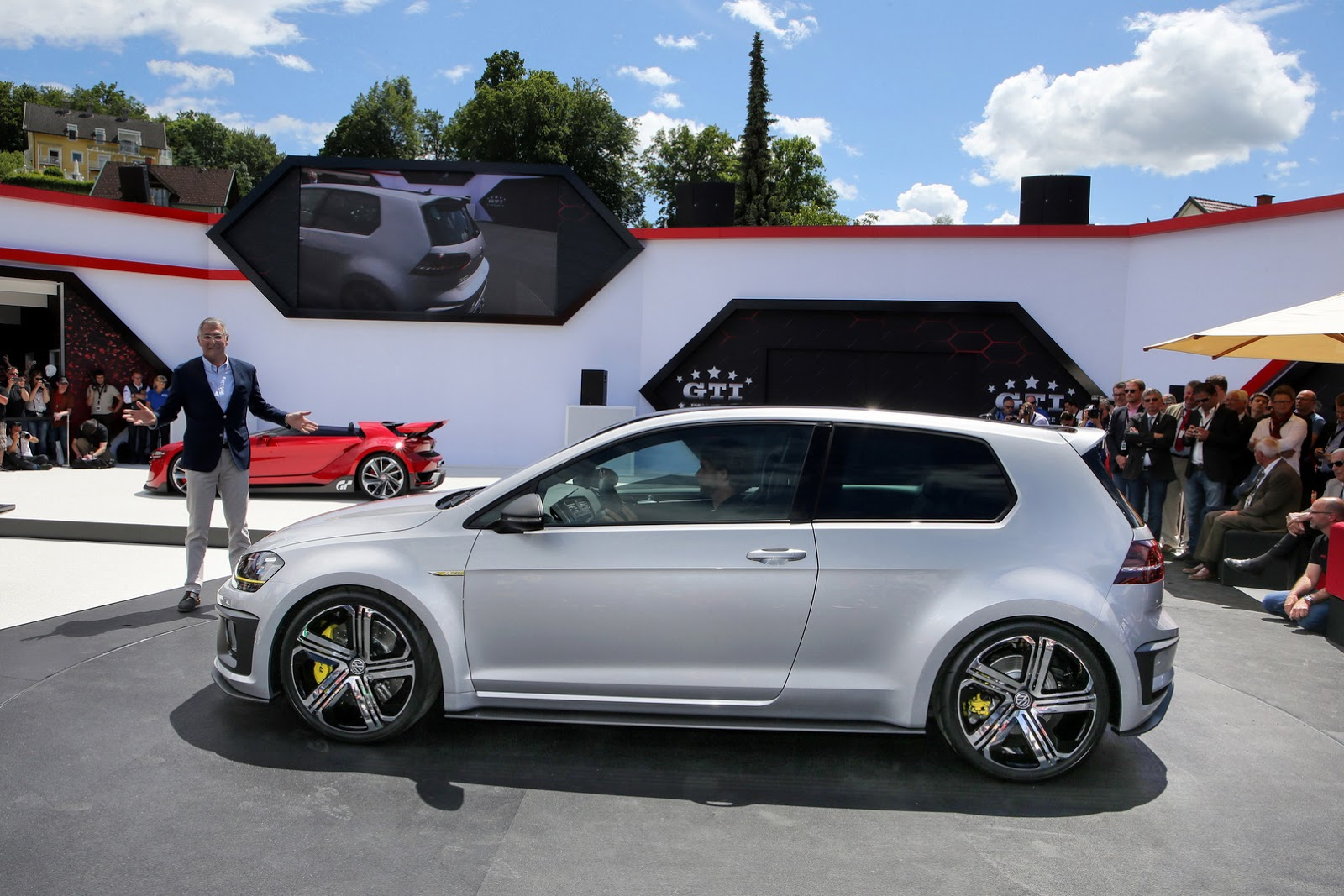 vw golf r 400 concept to pass through la show as it heads for production. Black Bedroom Furniture Sets. Home Design Ideas