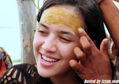Gambar Diana Danielle Bercuti Di Sabah