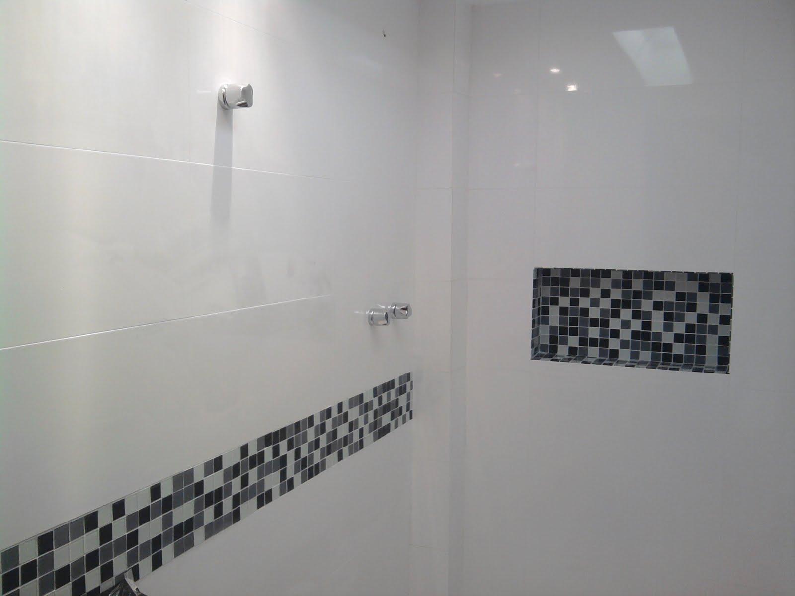 Nichos no Banheiro  Comprando Meu Apê  Comprando Meu Apê # Como Colocar Pia De Banheiro Na Parede