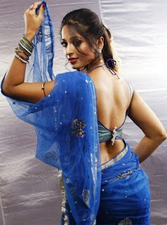 Anushka Shetty latest hot images,Anushka Shetty wallpapers,Anushka Shetty hot navel in sari,Anushka Shetty sexy in sarie images,Anushka Shetty hot kissing,stills,pictures,Anushka Shetty