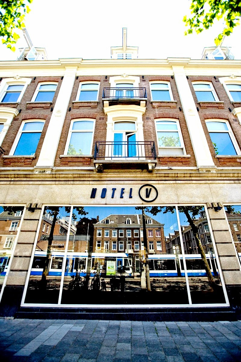 Design hotel in amsterdam part one with i escape wild for Hotel design amsterdam