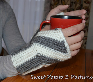 Diagonal Stripes Fingerless Gloves by Sweet Potato 3 Patterns