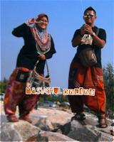 Kami: Batik vs Pelikat