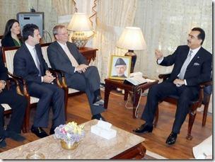 Google's CEO, Eric Schmidt, Meets Pakistani Prime Minister