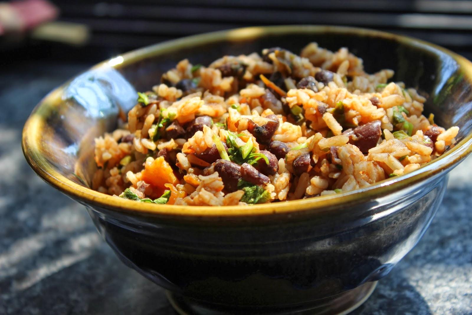 AnnaParabrahma: Mexican Black Bean And Tomato Rice