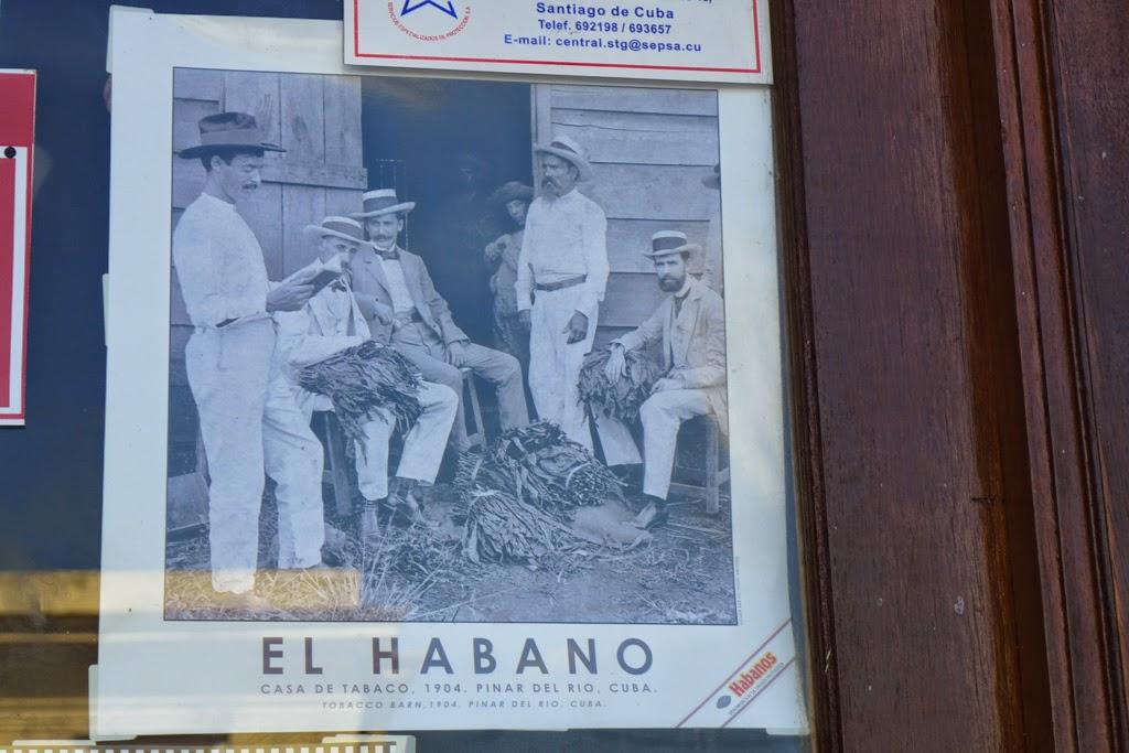 Santiago de Cuba sign on storefront