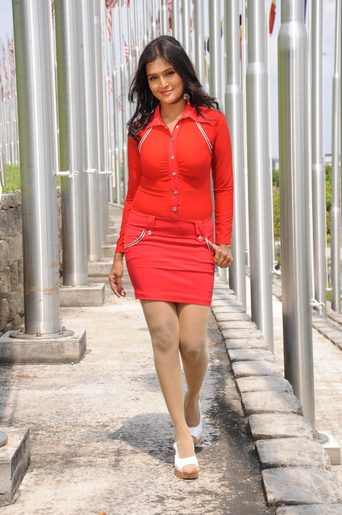 Ramya Nambeesan Salamath Movie Actress Picturesmp3 Songs
