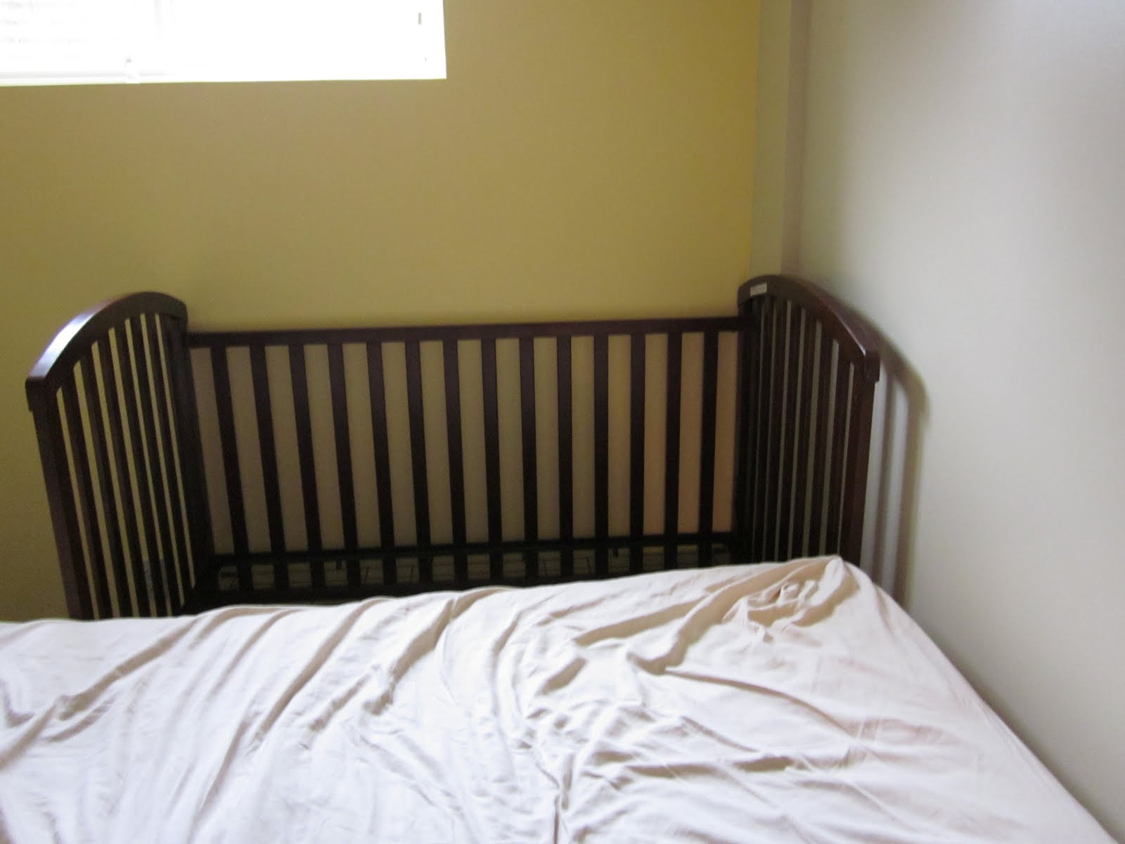 Confessions Of A Co Sleeper How To Sidecar Your Crib