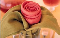 rosa hecha con servilletas
