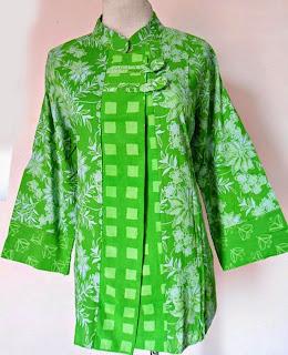 Foto Baju Batik Kerja Wanita Solo