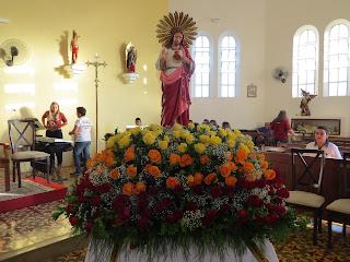 Imagens da procissão e Santa Missa de encerramento da festa do Sagrado Coração de Jesus 2015
