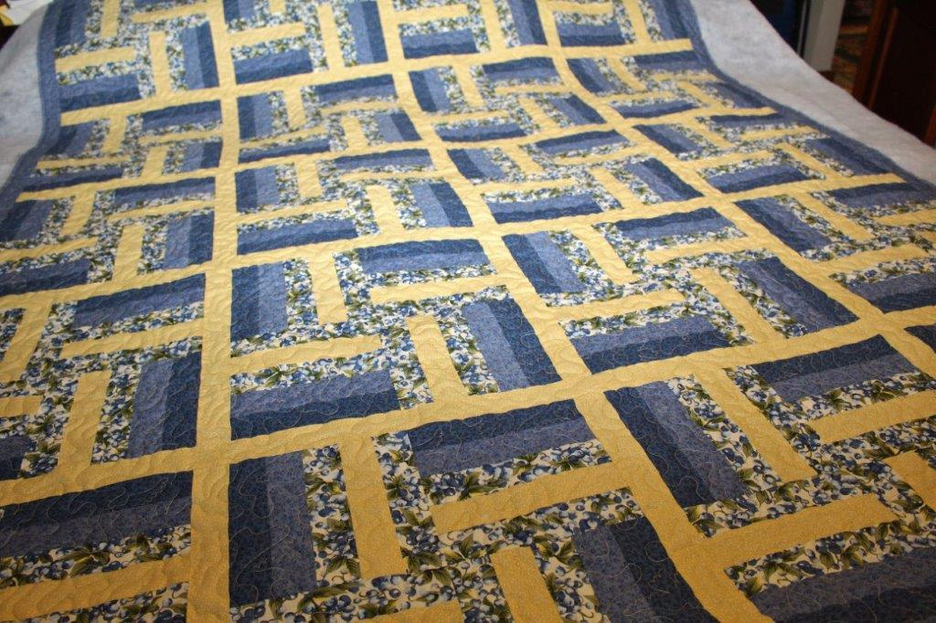 Sarah Lynn's Quilting: Customer's Blue and Yellow Quilt : blue and yellow quilt - Adamdwight.com