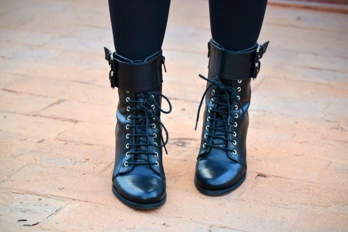 look_outfit_burdeos_negro_short_polipiel_zara_botines_stradivarius_jersey_aguila_nudelolablog_06