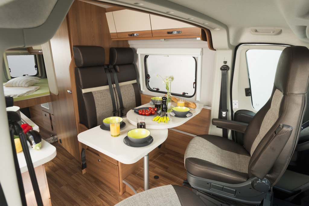 campingbus premiere vantourer auf fiat ducato basis. Black Bedroom Furniture Sets. Home Design Ideas