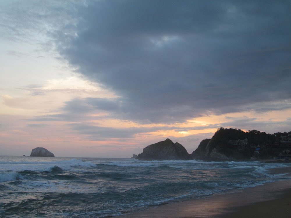 Playa Zipolite. Welcome To The Beach Of The Dead!: Zipo