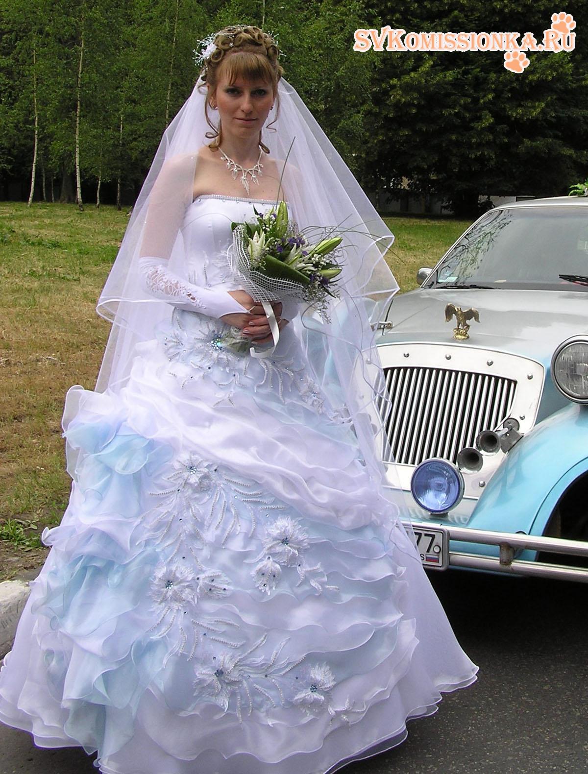 Бело голубое платье свадебное