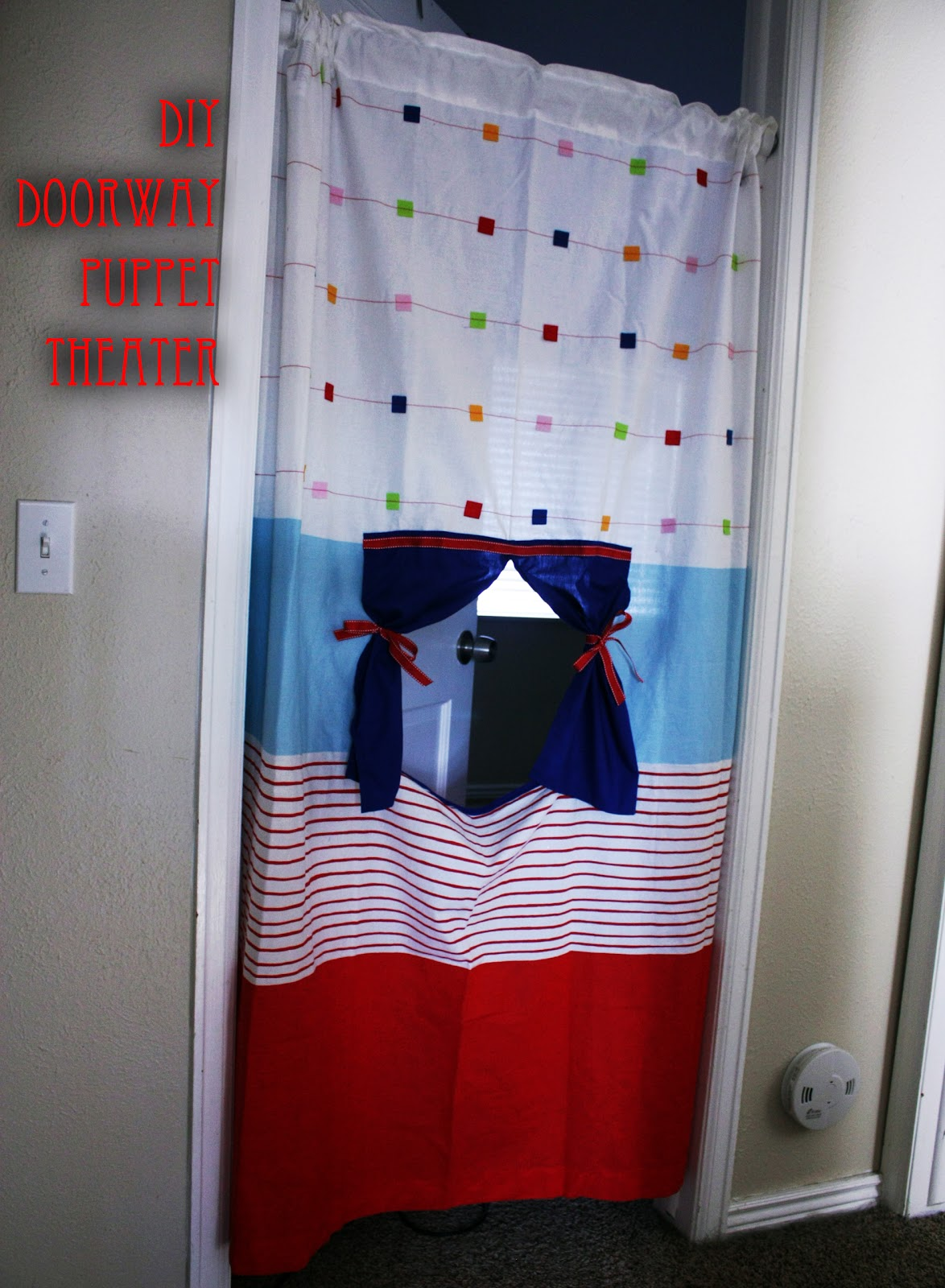 Fisher's Mommy: DIY Doorway Puppet Theater