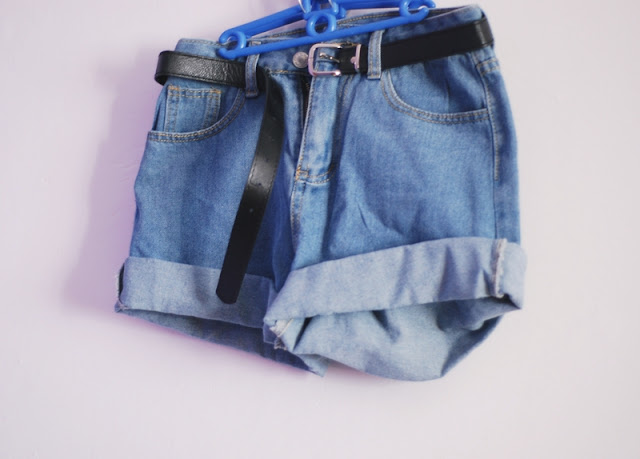 http://www.romwe.com/With-Belt-Cuffed-Denim-Shorts-p-119875-cat-680.html#_=_?utm_source=pomaranczowa-pomarancz.blogspot.com&utm_medium=blogger&url_from=pomaranczowa-pomarancz#_=_