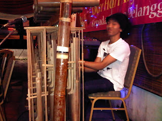 How to play of Angklung Instrument  or Cara Bermain Alat Musik Angklung