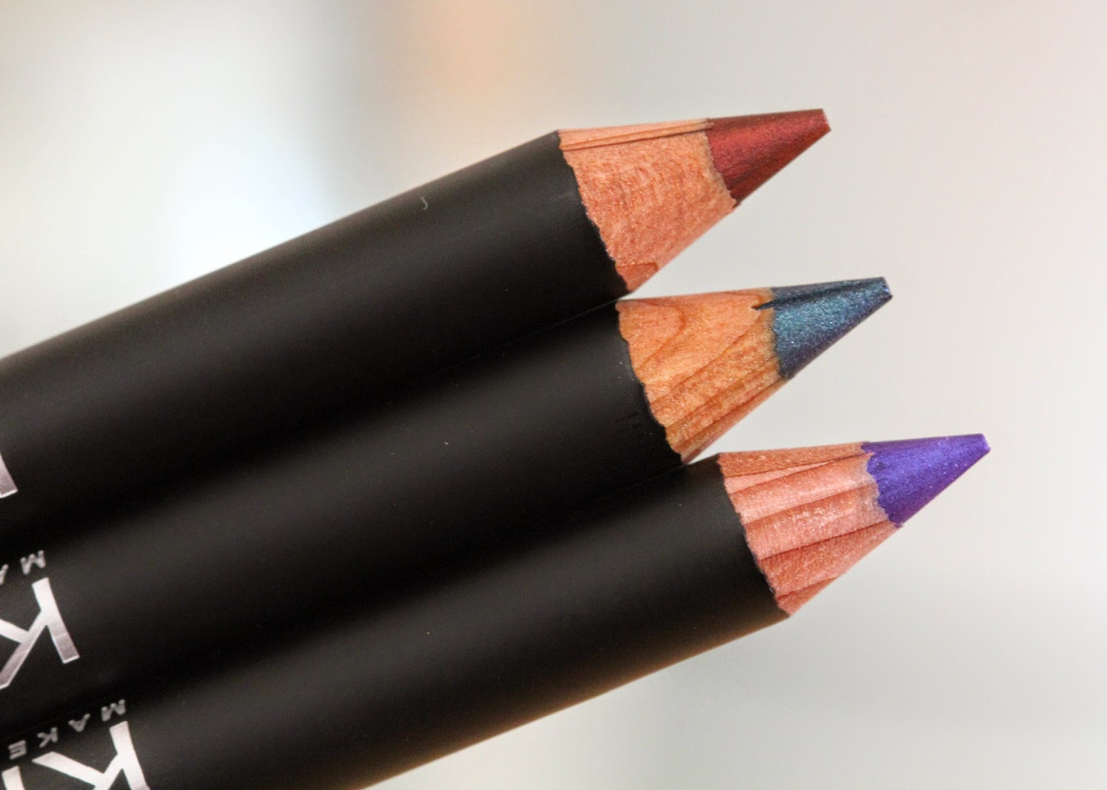 Kiko Glamorous Eye Pencil review