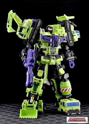 Versión Custom de Devastador de Transformers G1 de Maketoys