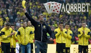 Liputan Bola - Manager Dortmund, Juergen Klopp mengucapkan selamat tinggal kepada fans Borussia Dortmund usai laga pamungkas Bundesliga di Signal Iduna Park, Sabtu (23/5/2015).