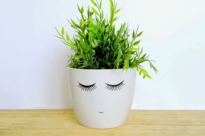 Face Plant Pot Part - 46: Shy Face Plant Pot Decoupaging These Pretty Eyelashes Onto A Plain Pot  Makes It Super-cute! By The Design Wonder Woman