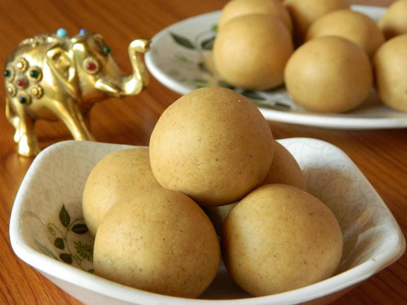 sunnundalu recipe, sunnundalu with sugar, how to make sunnundalu, easy sweet recipes for deepavali