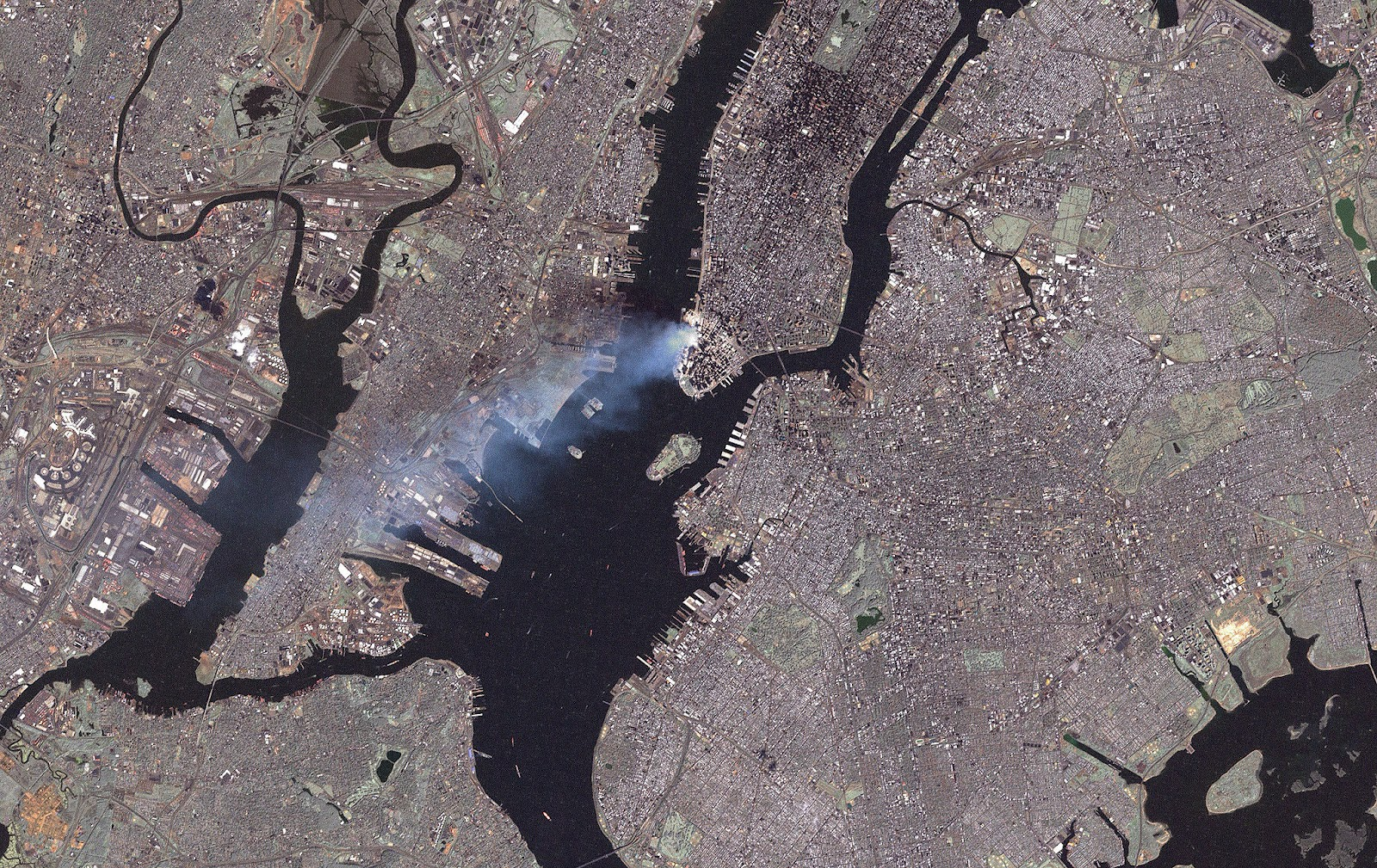 http://3.bp.blogspot.com/-uNhqpBnMkOQ/T7V0vijErZI/AAAAAAAAAF8/vaWE0W2ExcU/s1600/9-11+WTC+from+space.jpg
