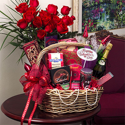 Jenine balderas gift basket ideas a traditional gift basket idea alcohol and an oak wood varnish with a varnish that case new straw or silk or crepe paper in the case of filling a good negle Choice Image