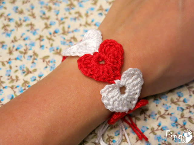 Bracelet free crochet pattern by Pingo - The Pink Penguin