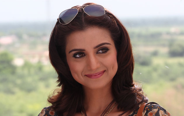 kulraj randhawa dimples - kulraj randhawa dimples