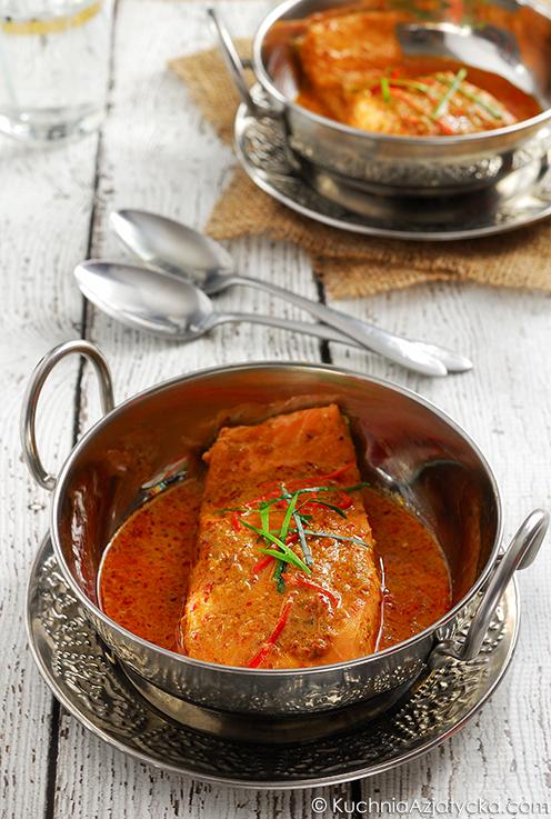 Łosoś w czerwonym curry © KuchniaAzjatycka.com