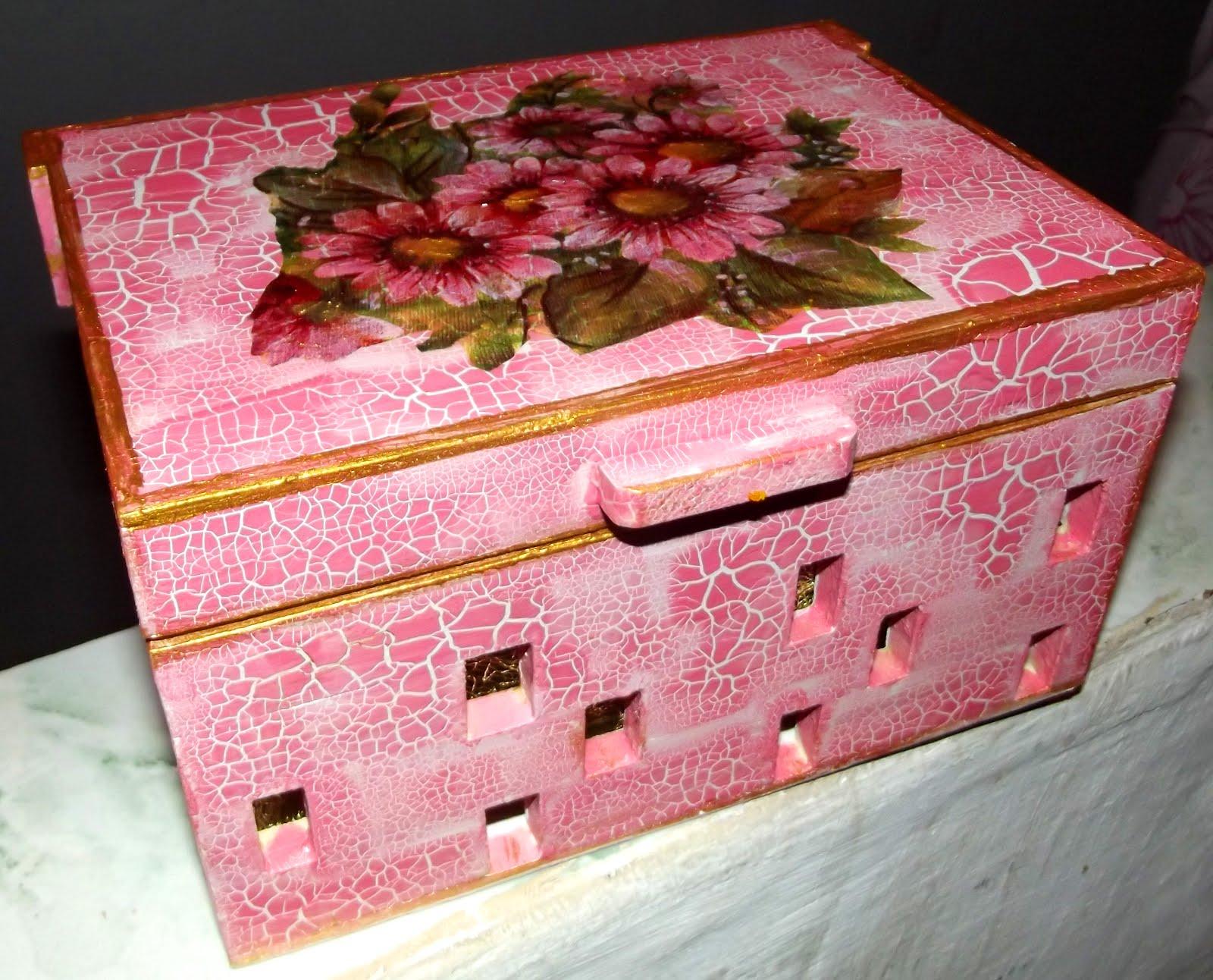 Lekat Criações: Caixas de madeira decoradas #AC1F3F 1600x1292