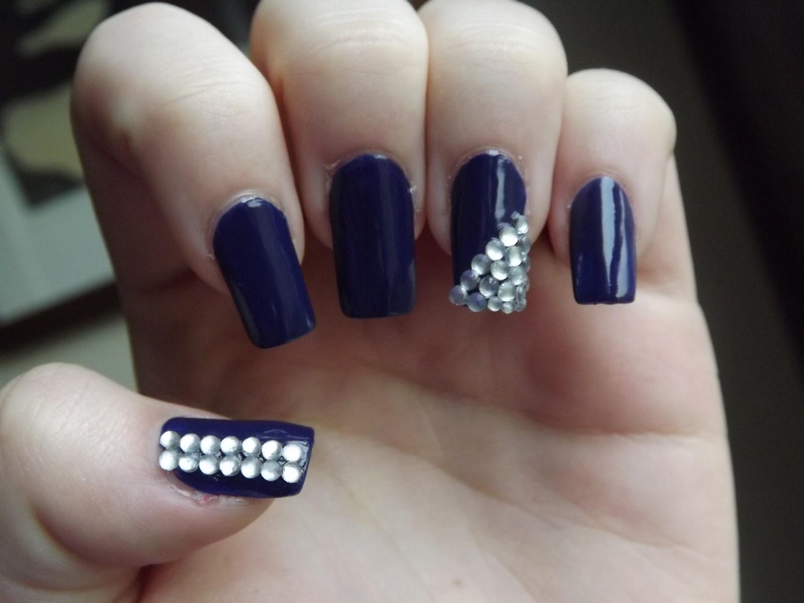 Beauty Junkies Opinions: Bling nail art.
