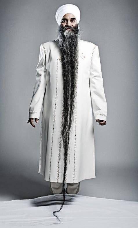5 Orang dengan Rekor Aneh Seputar Rambut