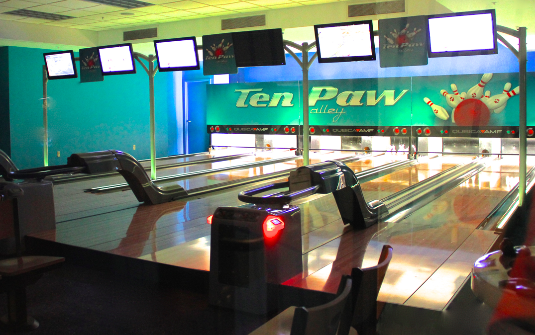 Great Wolf Lodge Niagara Falls - Ten Paw Bowling